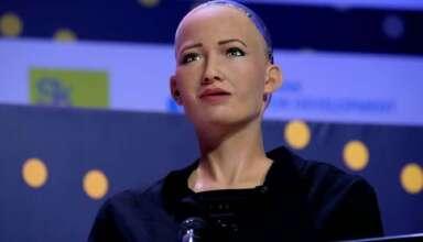 sophia androide 384x220 - Sophia, la androide que quiere destruir a la humanidad, se fabricará en masa para combatir el coronavirus