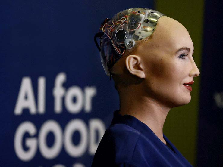 sophia la androide - Sophia, la androide que quiere destruir a la humanidad, se fabricará en masa para combatir el coronavirus