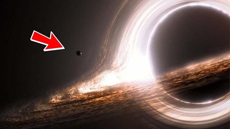 objeto agujero negro - Un misterioso objeto espacial oscurece un enorme agujero negro, y nadie sabe que es