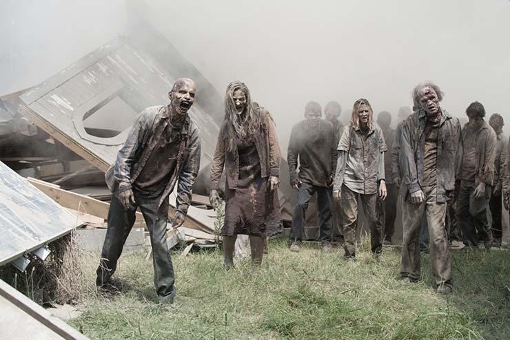 cdc zombi - Los CDC actualizan su guía de preparación para un apocalipsis zombi, ¿se cumplirá la profecía de Nostradamus para 2021?