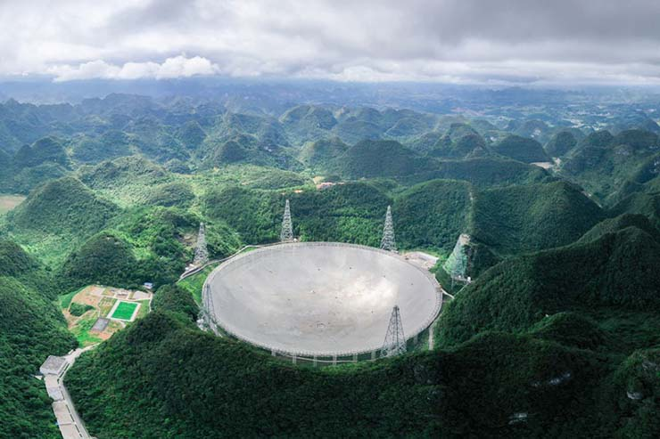 china extraterrestres universo - China confirma que ha detectado tres señales extraterrestres de un universo lejano