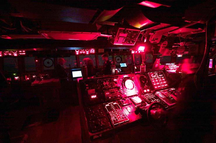 ovnis destructores - Docenas de ovnis persiguen destructores de la Marina de EE.UU. en alta mar