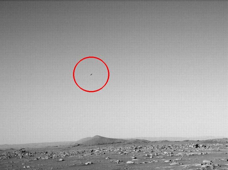 rover perseverance pajaro volando marte - Y ahora, el rover Perseverance fotografía un pájaro volando en Marte