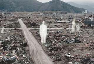 tsunami japon fantasmas 320x220 - 10 años después del tsunami de Japón: Las personas aseguran ver fantasmas sin cabeza y espíritus desmembrados
