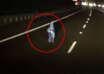 nino fantasma australia 104x74 - La cámara de un coche graba un niño fantasma en medio de una autopista en Australia