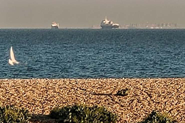 ciudad flotante costas inglaterra - Aparece una enorme ciudad flotante en las costas de Inglaterra