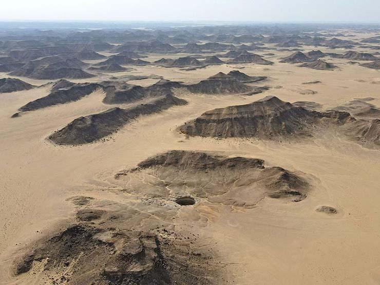pozo barhout - Científicos no pueden explicar el pozo de Barhout, el agujero del infierno de Yemen