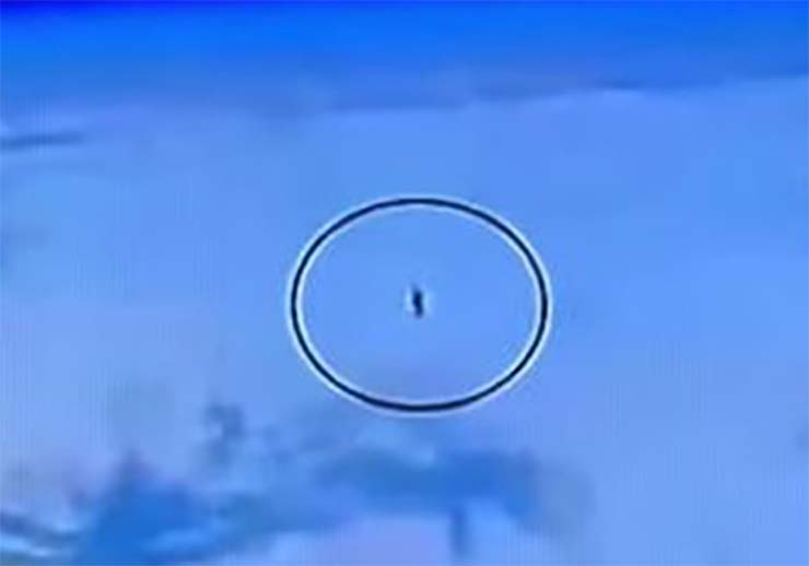 flota 10 ovnis - La Estación Espacial Internacional detecta una flota de 10 ovnis sobre la Tierra