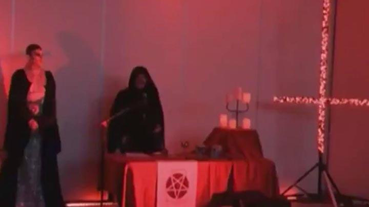abc ritual satanico noticias - La cadena de televisión australiana ABC emite 'por error' un ritual satánico durante las noticias
