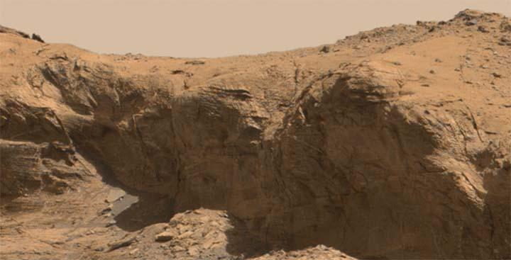 cara montana marte - Imágenes de la NASA muestran una cara extraterrestre en una montaña de Marte