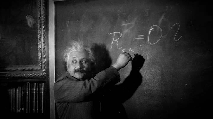 albert einstein extraterrestres - Audios filtrados demuestran que Albert Einstein investigó el OVNI y los extraterrestres de Roswell